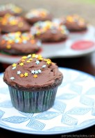 Chocolate Milk Cupcakes with Chocolate Milk Buttercream Frosting | Persnickety Plates