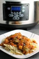 Slow Cooker Chicken Zucchini & Spinach Pasta - a super simple slow cooker meal that is healthy and delicious | Persnickety Plates