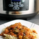 Slow Cooker Chicken Zucchini & Spinach Pasta - a super simple slow cooker meal that is healthy and delicious   Persnickety Plates