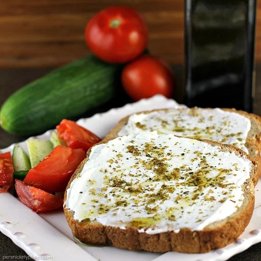 Labneh Za'atar Toast takes just a few simple ingredients but it comes together for a quick, filling, and healthy meal. | Persnickety Plates