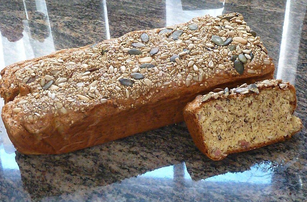 Rezept für ein selbstgebackenes Low Carb Brot