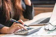 Manage Your Money Better With These 5 Tips