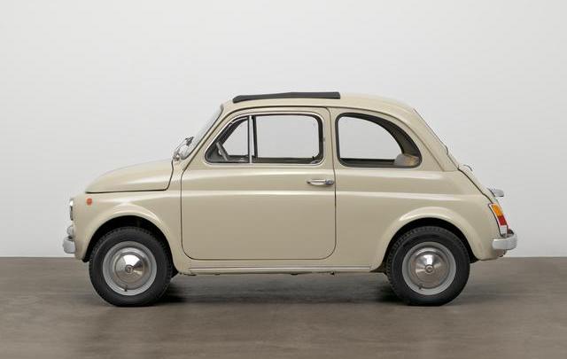 """Fiat 500 esposta al MOMA di New York nella mostra """"The value of good design"""""""