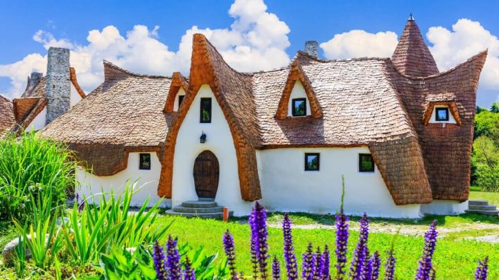 Il castello delle fate nel cuore della Romania: Castelul de Lut