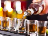 Roma vieta l'alcol tutto l'anno: le nuove regole e orari