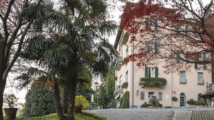 Donatella Versace arriva a Meina