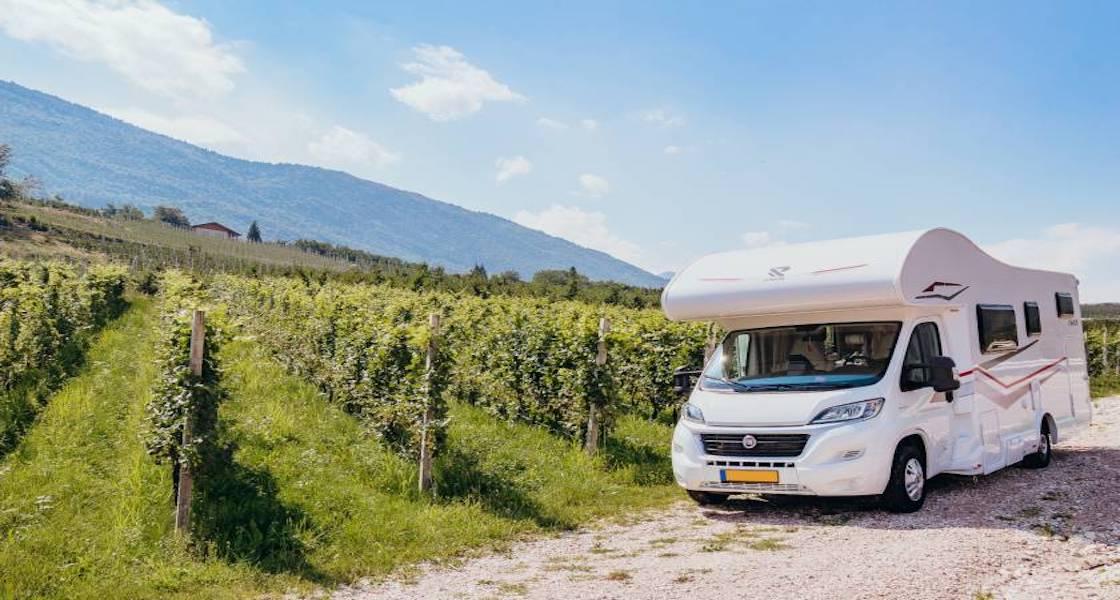 Soste in camper con vista sulla vigna: il nuovo Ecoturismo