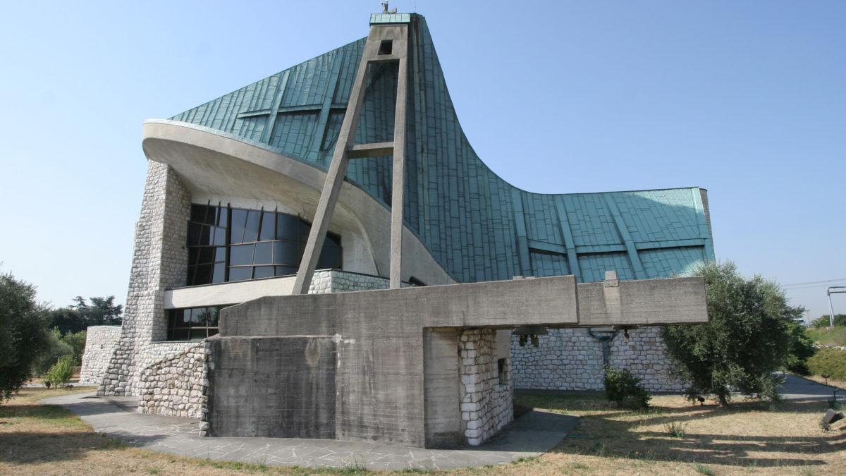 La piccola chiesa dell'Autostrada del Sole