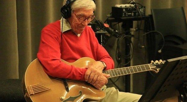 Addio a Franco Cerri, l'uomo in ammollo, tra i più apprezzati chitarristi jazz