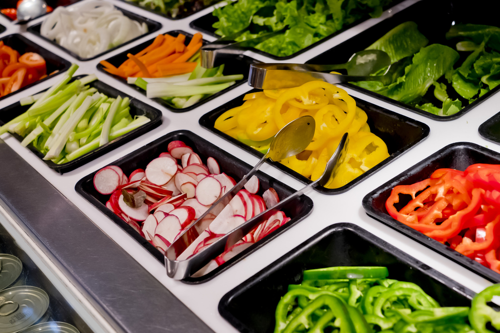Salad bars are great, just use these tips to stay on track to lose weight with Personal Trainer Food.