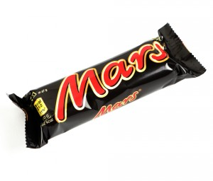 Should you eat the Mars bar or drink the vitamin water to lose weight?