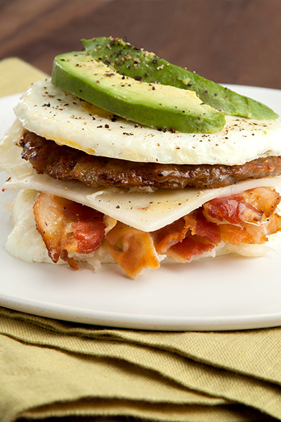 Click here to pin this delicious fat-burning egg patty breakfast sandwich!