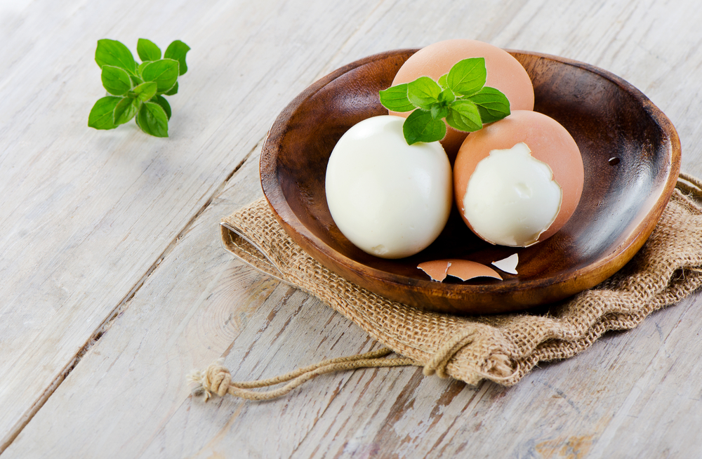 Hard boiled eggs and over 50 other delicious and easy low-carb weight loss ideas from Personal Trainer Food.