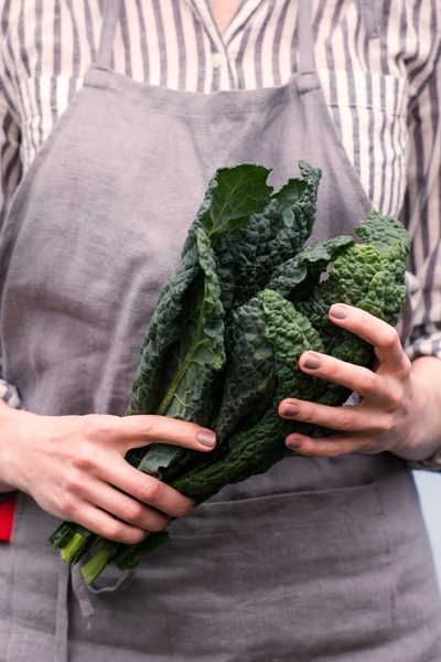 Pin this for diet inspiration: Dark leafy greens are your friends when it comes to losing weight, and can be eaten in unlimited quantity with Personal Trainer Food.