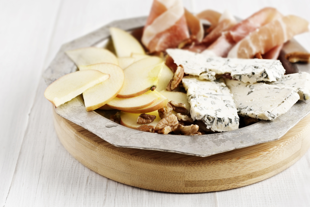 Don't ever feel deprived again when you can have elegant snacks like apple slices, cheese, prosciutto and walnuts to lose weight and feel great with Personal Trainer Food.