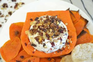 Sweet & Crunchy Cheese Ball