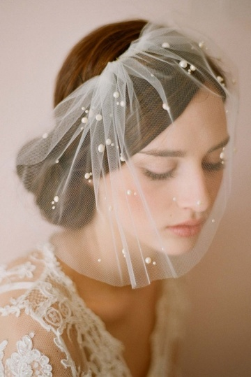 Voilette en tulle souple appliqué de perles