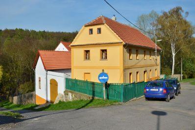 Ferienhaus Za Dubem, der Blick vom Zufahrtsweg