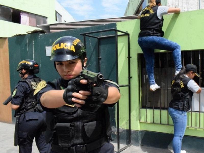 Comandante General De La Policia Nacional Destaco La Labor De Las Mujeres Polcias En Su Dia Peruinforma — policía peruana (@policiaperu) 2 de mayo de 2019. comandante general de la policia