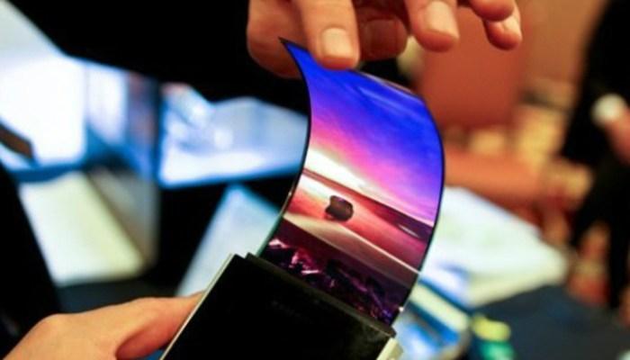 Samsung confirma la llegada de un smartphone con pantalla flexible