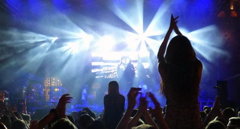 Notte Bianca Concerti Teatro E Spettacoli Il Week End A