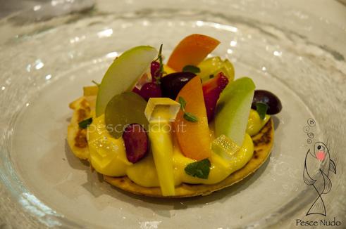 Crostatina alla plancia crema frutta e gelatina al maraschino