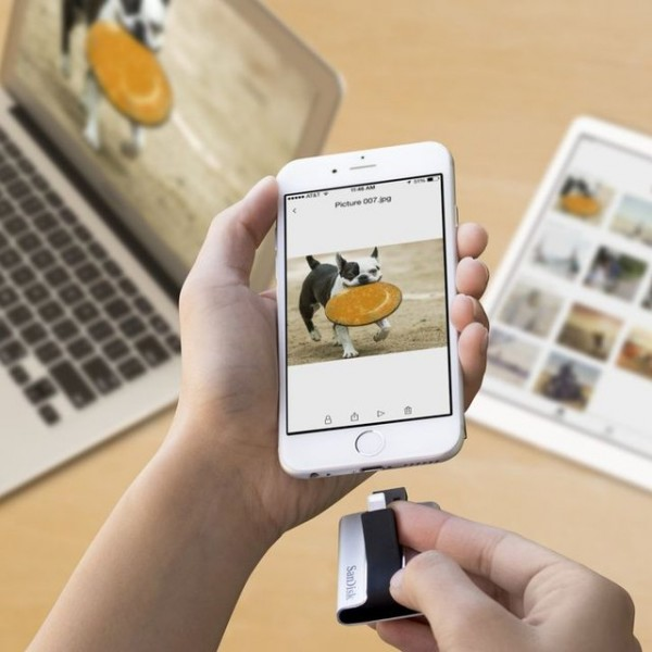 iXpand Flash Drive for iPhone and iPad