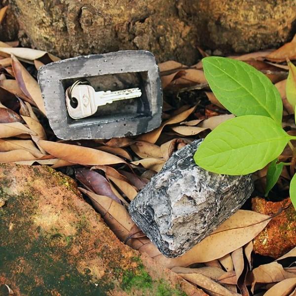 Spare Key Hiding Rock