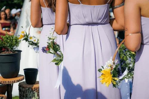 結婚式のゲストたち