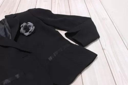 ブラックフォーマルのスーツ