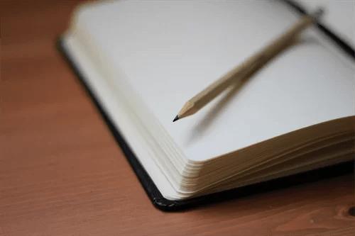 診断をメモするための筆記具