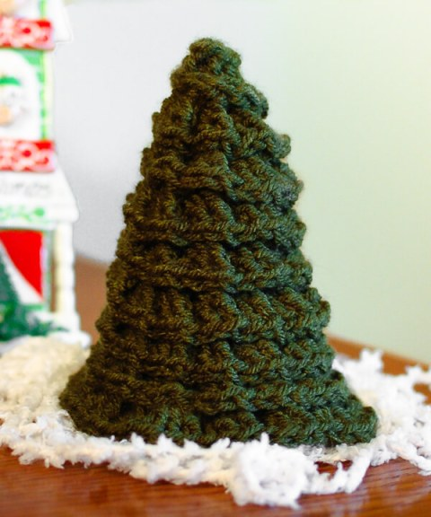 free christmas tree crochet pattern wwwpetalstopicotscom crochet christmas