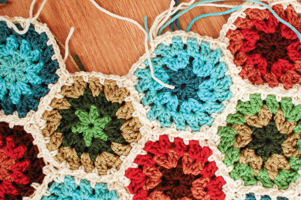 Crochet Join As You Go JAYGO Method | www.petalstopicots.com