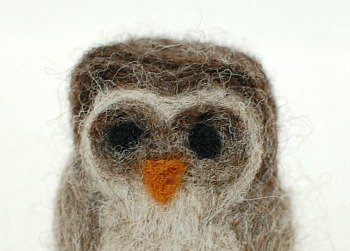 How to Make a Needle Felted Owl {Photo Tutorial} | www.petalstopicots.com