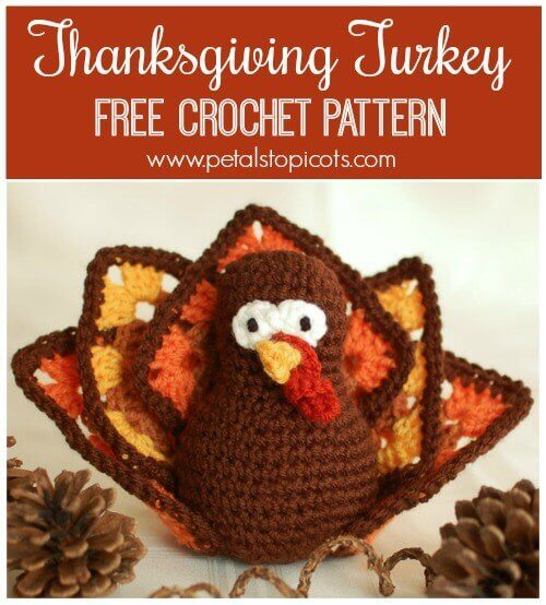 Thanksgiving Turkey ... Free Crochet Pattern This adorable turkey is the perfect addition to your Thanksgiving table. Click over for the free crochet pattern. #petalstopicots