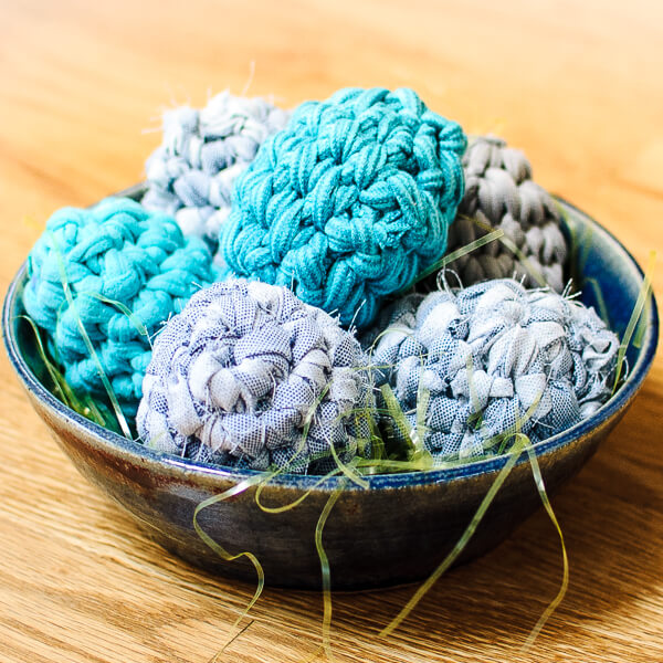 'Shabby Chic' Fabric Easter Egg Pattern Using Fabric and T-Shirt Yarn