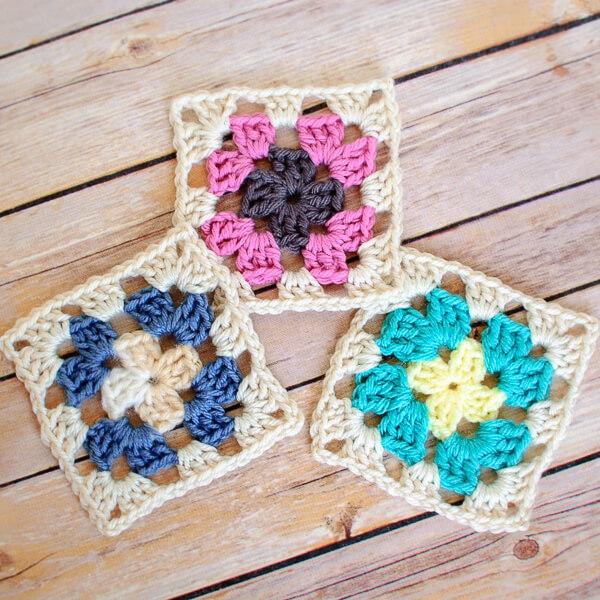Crochet Granny Square Pattern   www.petalstopicots.com   #crochet