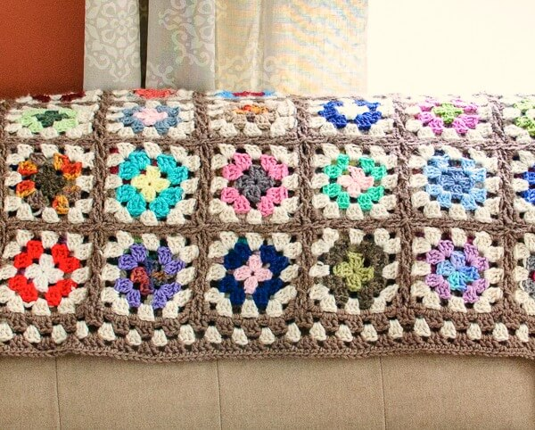 Free Crochet Granny Square Blanket Pattern | Petals to Picots
