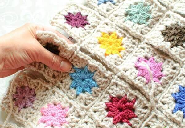 How to Join Granny Squares ... Cluster Burst Afghan