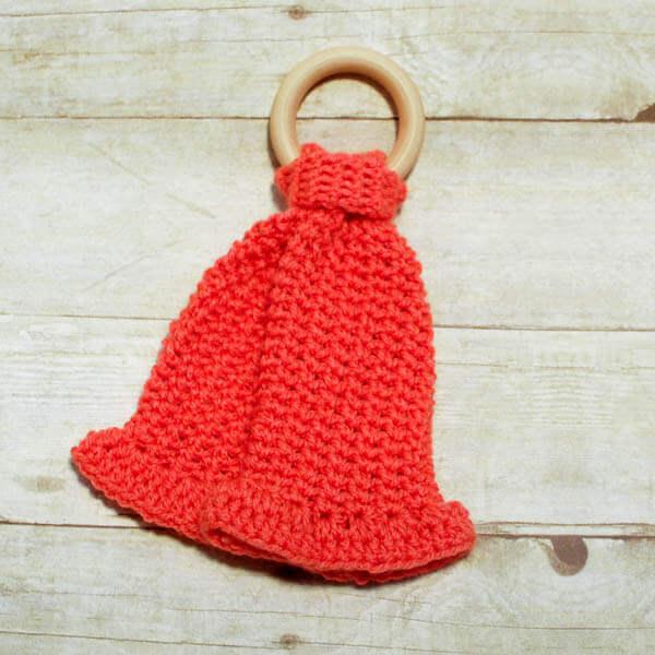 Teether Lovey Crochet Pattern, www.petalstopicots.com
