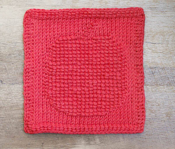 Apple Tunisian Crochet Dishcloth Pattern | www.petalstopicots.com