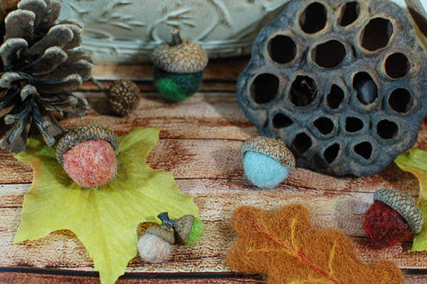 How to Make Needle Felted Acorns | www.petalstopicots.com