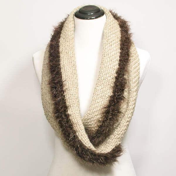 Faux Fur Trimmed Infinity Scarf-to-Wrap | www.petalstopicots.com | #crochet #fiber