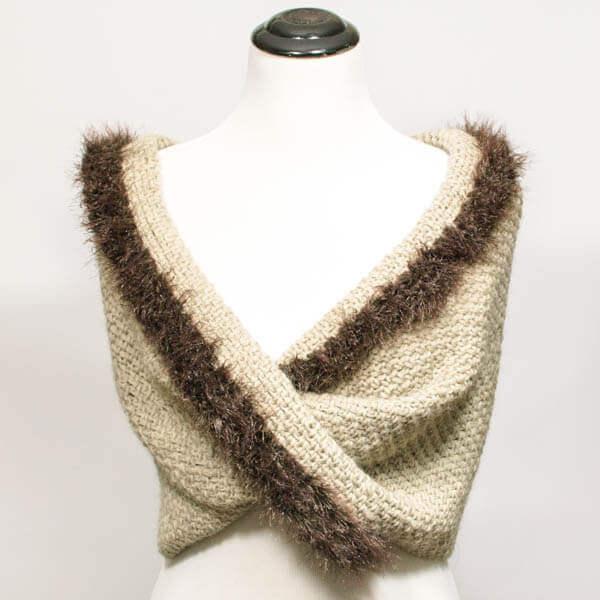 Faux Fur Trimmed Infinity Scarf-to-Wrap   www.petalstopicots.com   #crochet #fiber