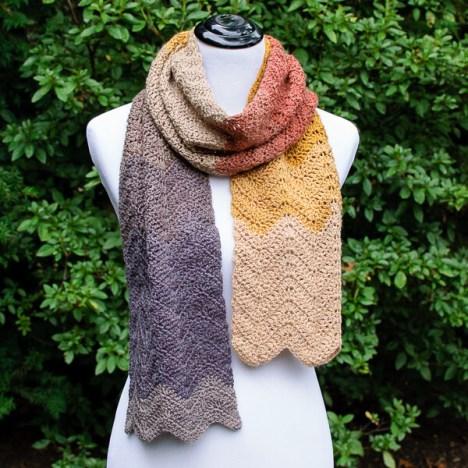 Autumn Ripple Crochet Scarf Pattern | www.petalstopicots.com