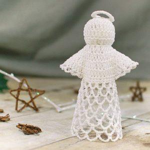 Lace Angel Crochet Pattern | www.petalstopicots.com