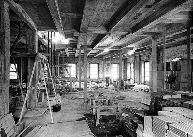 Photos of the White House Gutted During Its Truman Reconstruction E5gim1m