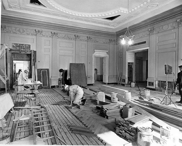 Photos of the White House Gutted During Its Truman Reconstruction RwUMTGt