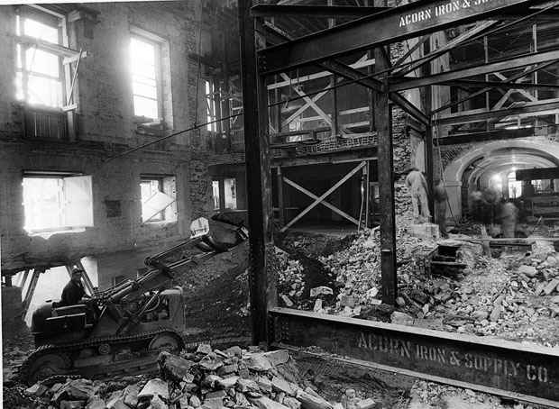 Photos of the White House Gutted During Its Truman Reconstruction aAySrRO