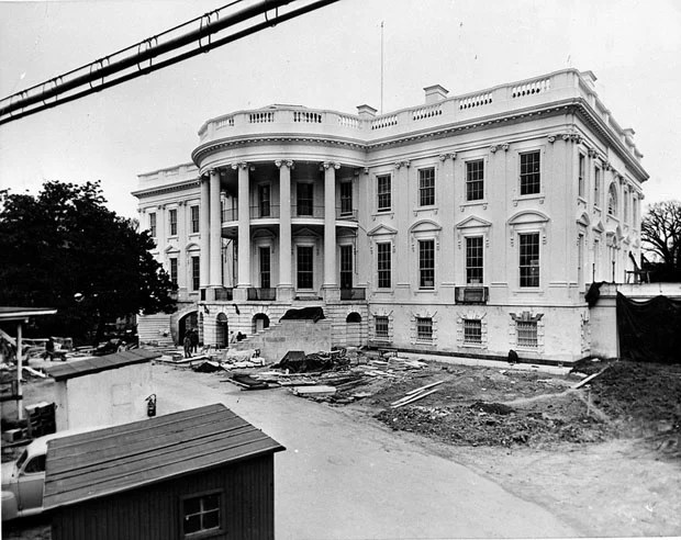 Photos of the White House Gutted During Its Truman Reconstruction zgwhRKV